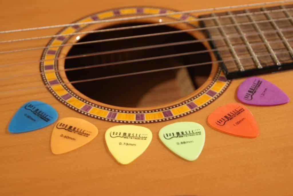 Gitarre Plektren